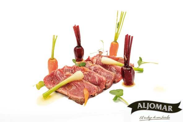 Jamones-Aljomar_Arrabal_recetario_ensalda-presa-y-verduras-encurtidas..