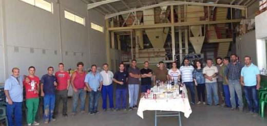 personal-Vera-Vieja-en-fábrica-de-piensos_blog_Jamones-ALjomar
